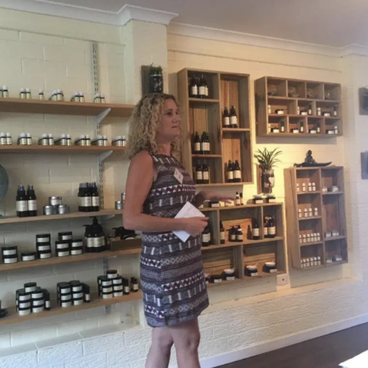 Amanda specialises in pre blended aromatherapy oils